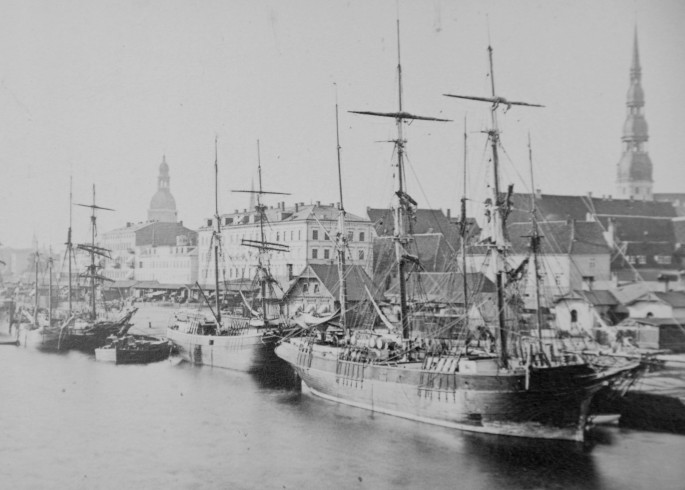 history of riga harbor
